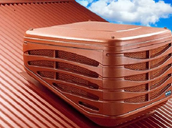Evaporative cooling system on roof